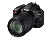 Nikon D3200 + 18-105 AF-S VR