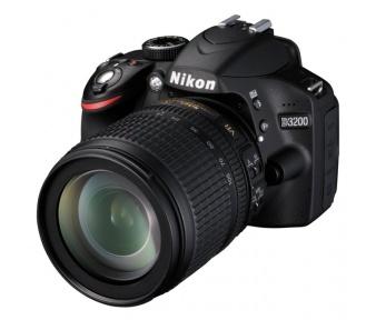 Nikon D3200 + 18-140 AF-S VR